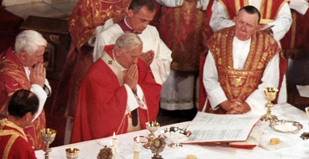 Pope-John-Paul-II-Holy-Mass-Westminster-Cathedral-1982_large
